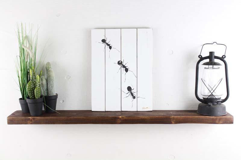 Svævehylde i genbrugstræ, mørkebrun. 120cm. Fra Idalund Design. Håndlavet.