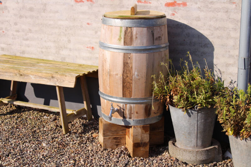 Regnvandstønde i træ idalund design