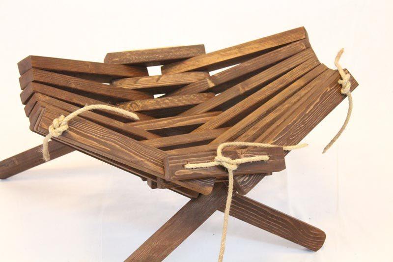 Lamel stol, fodskammel og bord fra Idalund Design. Dansk produceret af genbrugstræ.