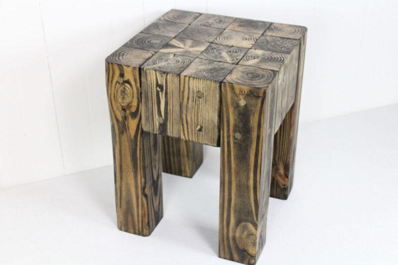 Taburet Sort Håndlavet i genbrugstræ af Idalund Design
